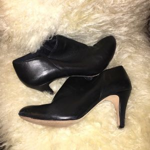 Vince Camuto black leather ankle bootie good used